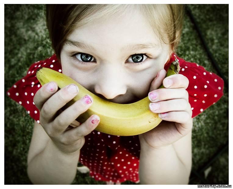 Конкурс для детей с бананами